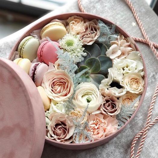 Шляпная коробка «Чувство любви»