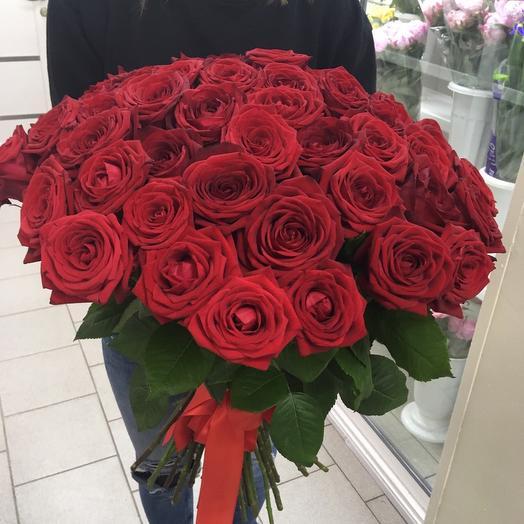 Грейс - 35 Ароматных Бордовых Роз