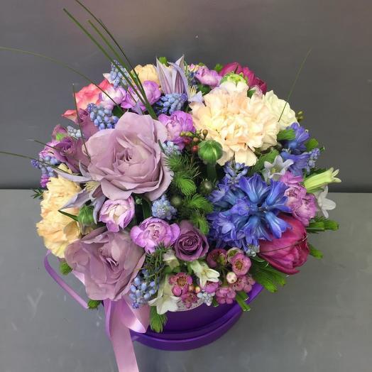 Сиреневая коробочка с цветами