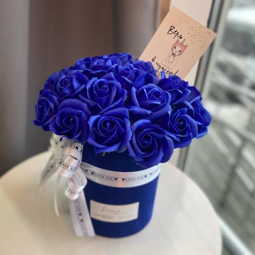 Неувядающие розы в бархатной коробочке