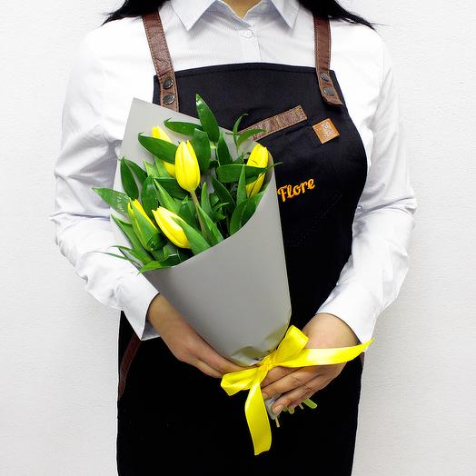 Букет из 5 желтых тюльпанов