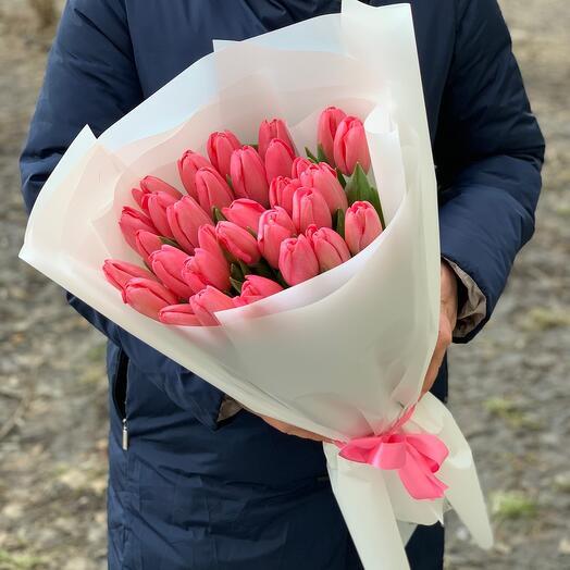 35 малиново-розовых Тюльпанов