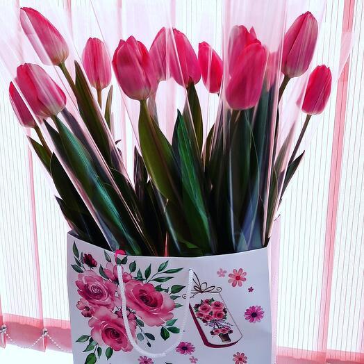 Тюльпаны в пакете