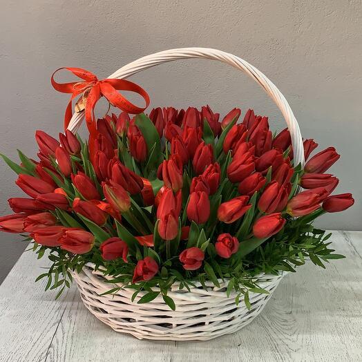 ✅ Корзина с тюльпанами Red