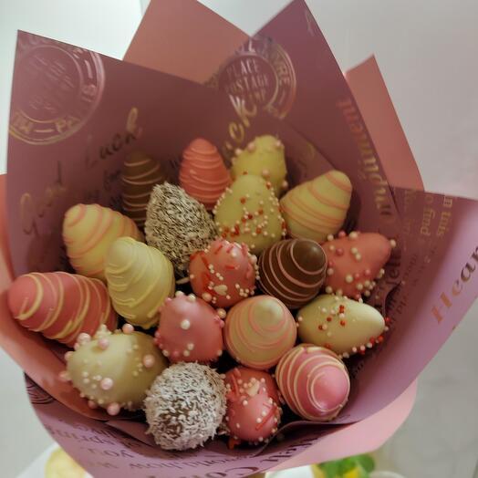 """Chocolate-covered strawberries """"Shoko»"""