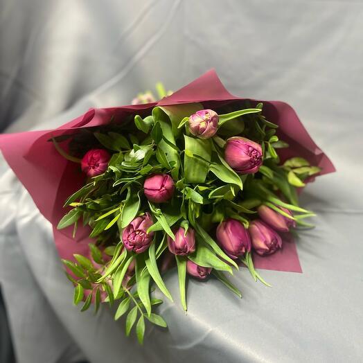 11 пионовидных тюльпана