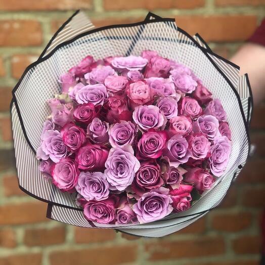 Букет из 51 фиолетовой розы