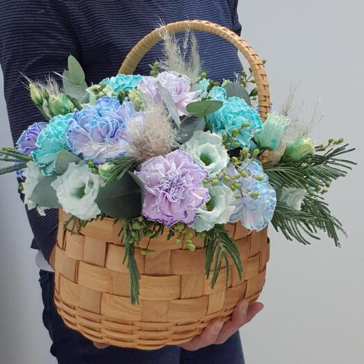 Корзина с цветами Гвоздики