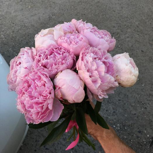 Букет из 10 розовых пионов: букеты цветов на заказ Flowwow