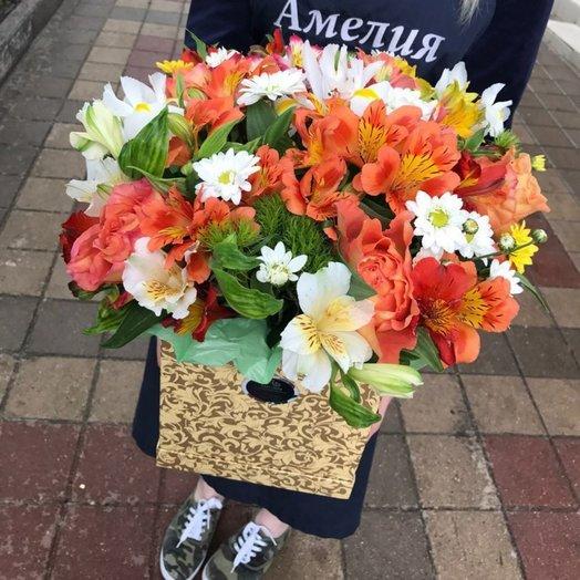 Коробочка из альстромерий: букеты цветов на заказ Flowwow