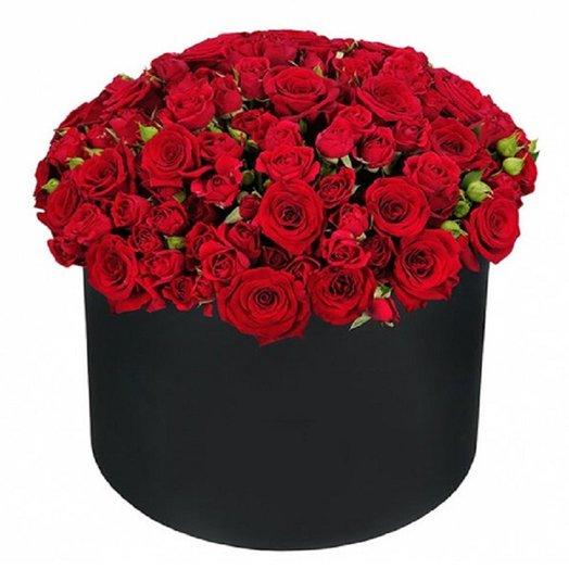 Кустовая роза в коробке: букеты цветов на заказ Flowwow