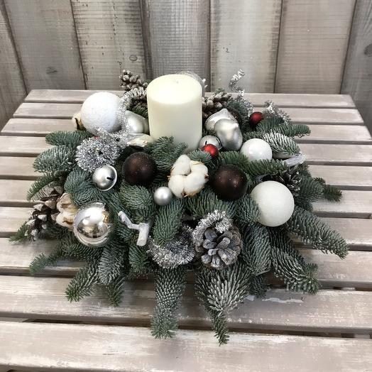 Новогодняя композиция «Снежная»: букеты цветов на заказ Flowwow