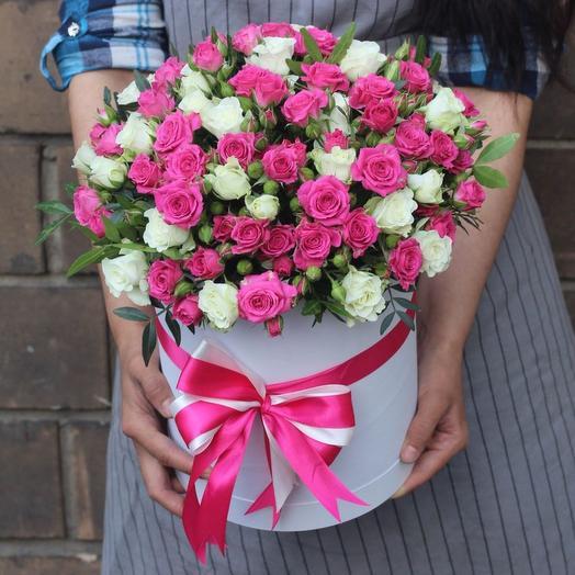 Роза кустовая в коробке