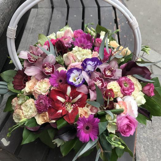 Огромная корзина: букеты цветов на заказ Flowwow