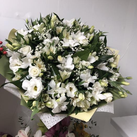 Белоснежка: букеты цветов на заказ Flowwow