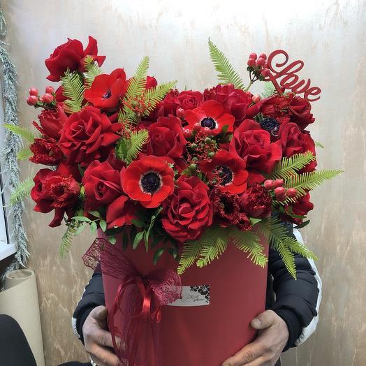 Огромная коробка «Страсть»: букеты цветов на заказ Flowwow