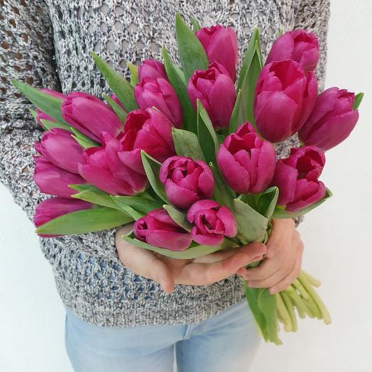 Фиолетовые тюльпаны: букеты цветов на заказ Flowwow