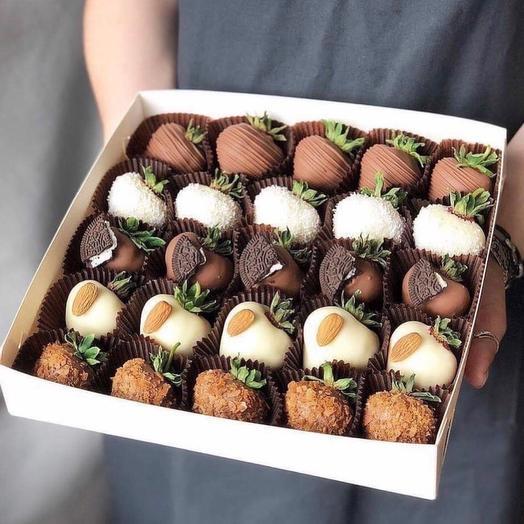 Набор из Клубники в Шоколаде «Микс Орео»