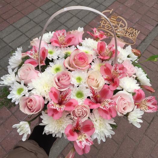 Шляпная корзина из роз