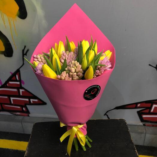 Букет из гиацинтов и тюльпанов 0024
