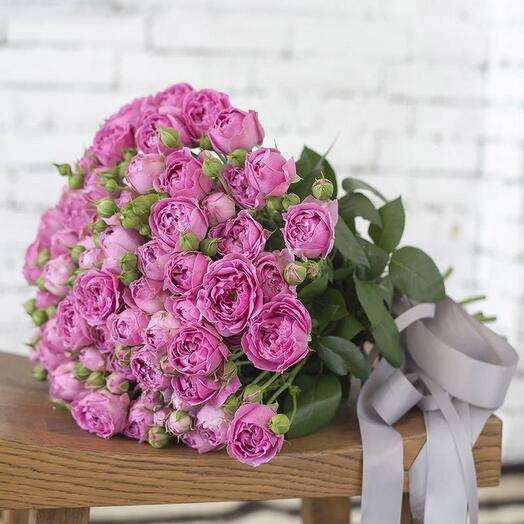 19 кустовых пионовидных роз