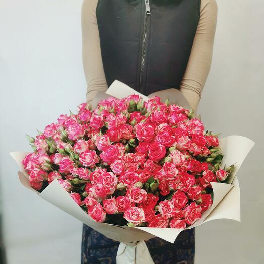 Букет Смузи 25 из красно-белых кустовых роз