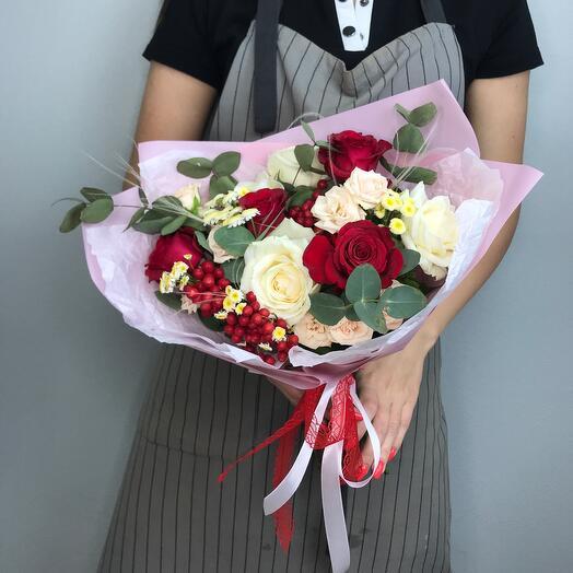 Букет из цветов «Комплимент»