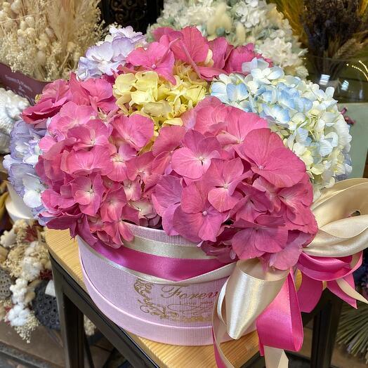 Цветы в коробке «Зевирка»
