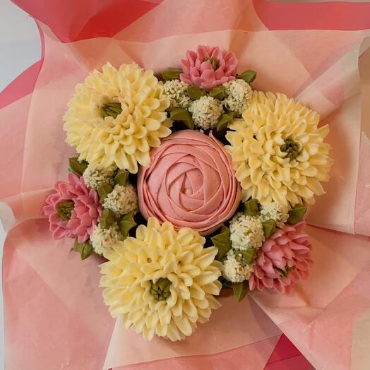 Вкусный букет капкейков: пион, хризантемы, гиацинты