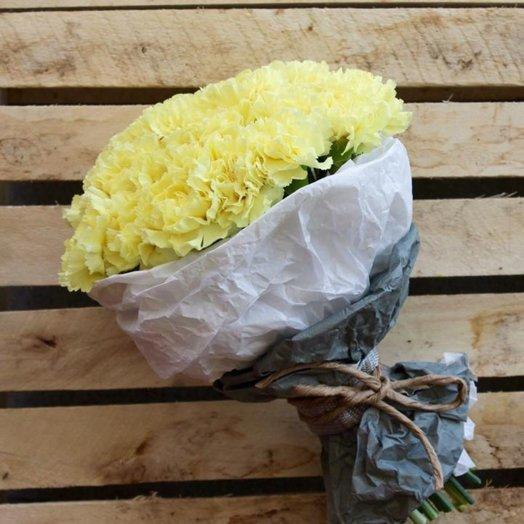 Букет из 15 желтых гвоздик: букеты цветов на заказ Flowwow