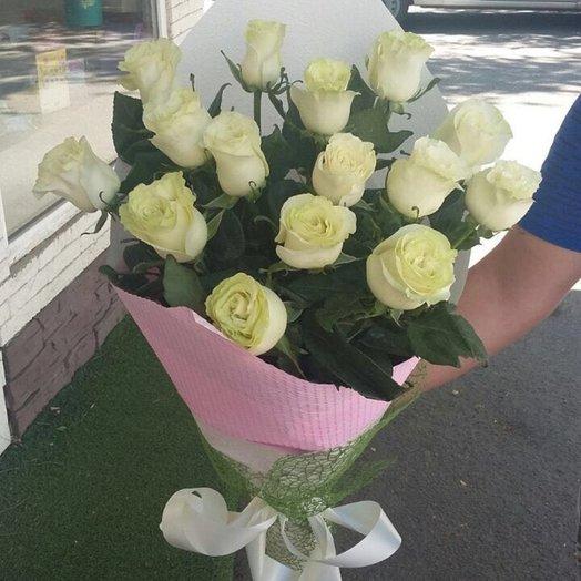 15 белых голландских роз