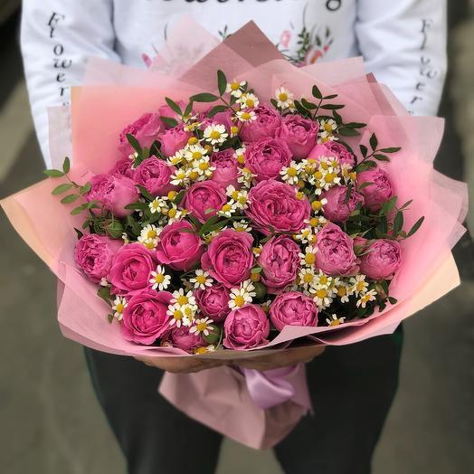 Розы. Пионовидная кустовая роза.  Кустовая ромашка. N268: букеты цветов на заказ Flowwow