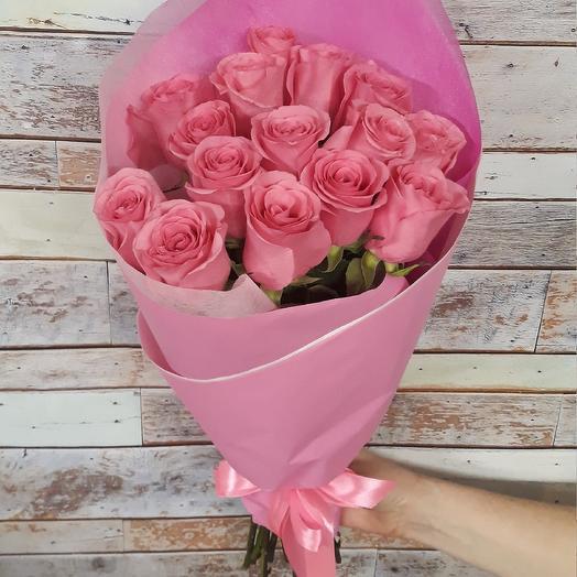 15 розовых роз в крафте: букеты цветов на заказ Flowwow