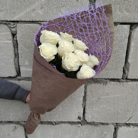 Букет из 9 роз в дизайнерской упаковке: букеты цветов на заказ Flowwow