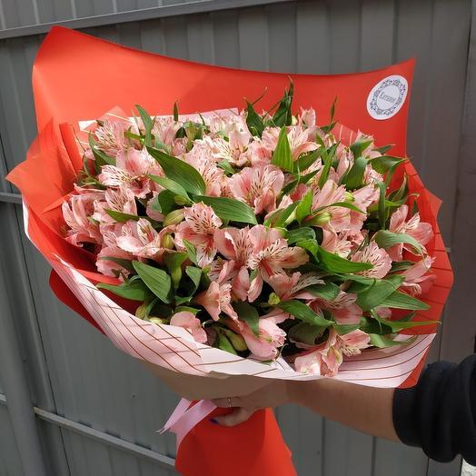 Весенний букет Альстормерий: букеты цветов на заказ Flowwow