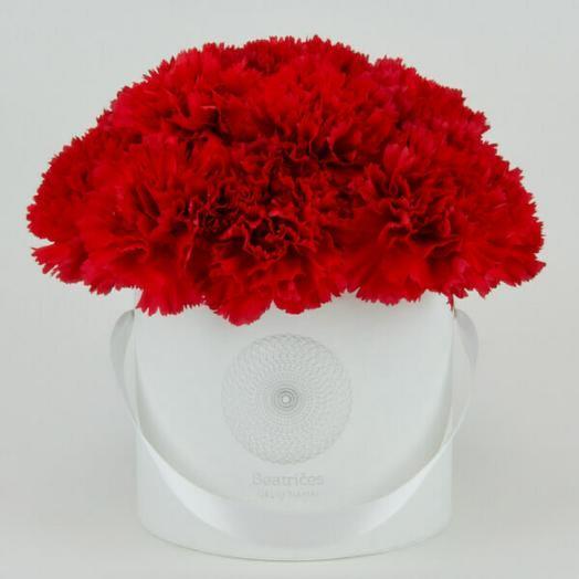 Коробочка Победы: букеты цветов на заказ Flowwow