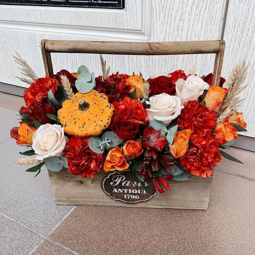 Осенний ящик с патиссоном: букеты цветов на заказ Flowwow
