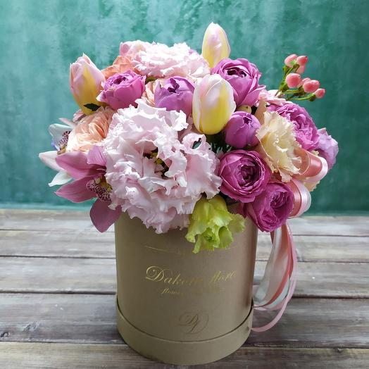 Цветы в коробочке: букеты цветов на заказ Flowwow