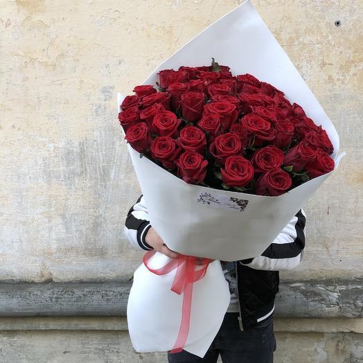 Алые розы любимой