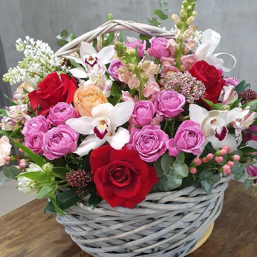 Корзина Люкс: букеты цветов на заказ Flowwow