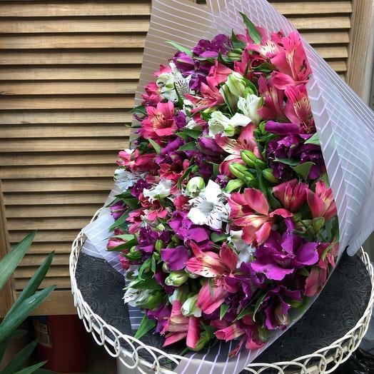 Восхитительные альстромерии: букеты цветов на заказ Flowwow