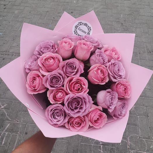 23 розы в дизайнерской упаковке
