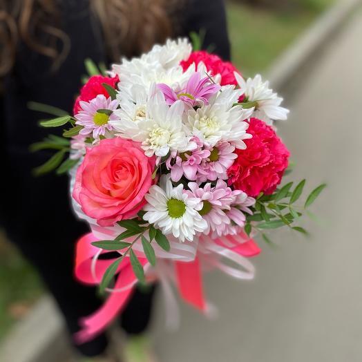 Микс свежих цветочков в коробочке 😍