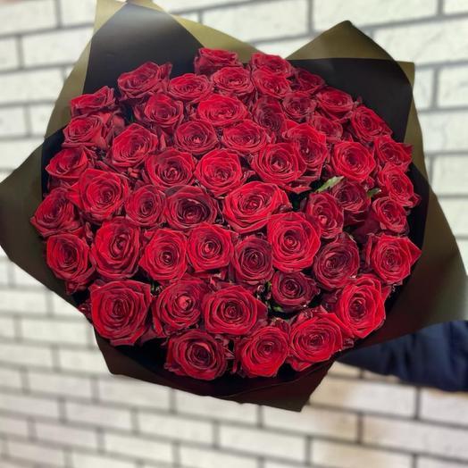 51 Роза в чёрной упаковке