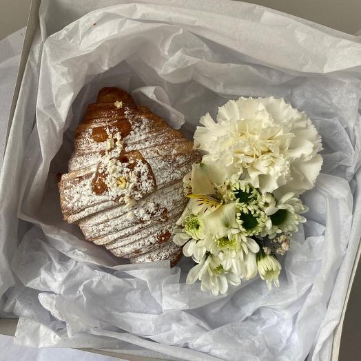 Круассан + цветы