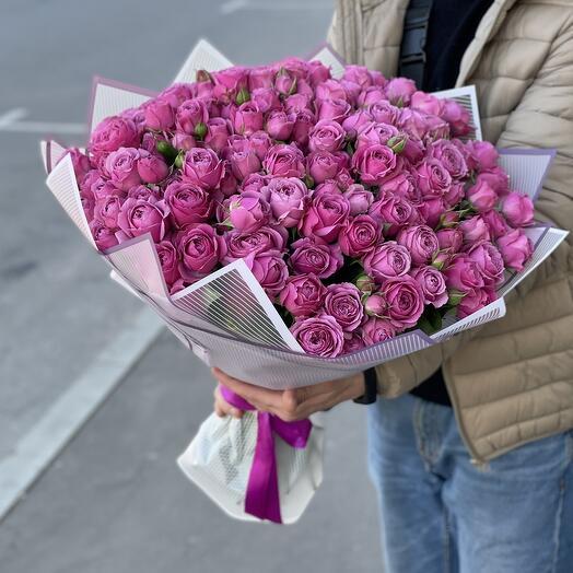 Букет из пионовидных кустовых роз Мисти баблс