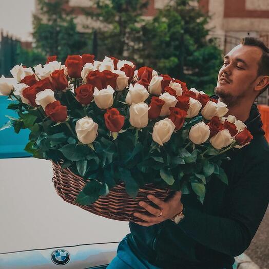 Премиум корзина из 101 розы