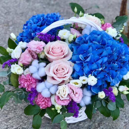 Корзина с цветами Аквамарин