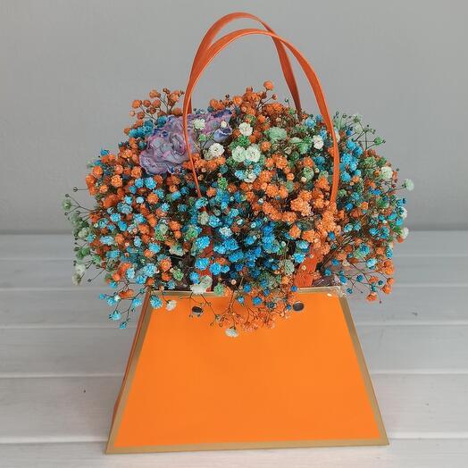Облачко из цветной гипсофилы в сумочке