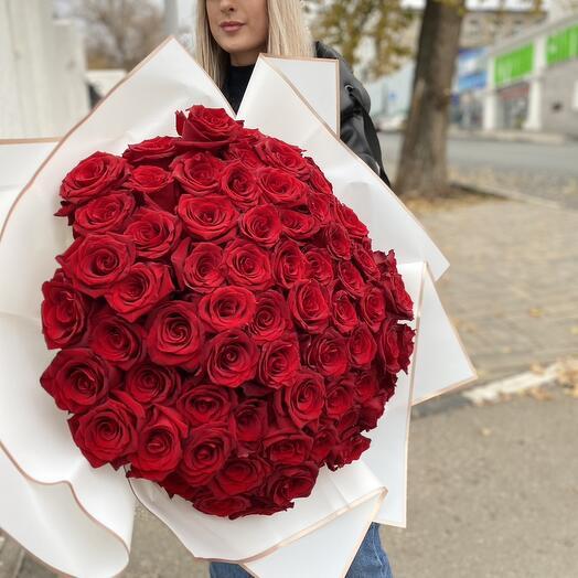 М133 - Монобукет из 101 розы Эквадор Эксплорер Премиум